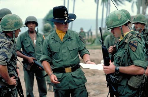 "150ec652596d5 ... that we feel best fits the one worn by Lt. Colonel Kilgore in  ""Apocalypse Now""  we take pride in providing our customers with the finest  quality hats."